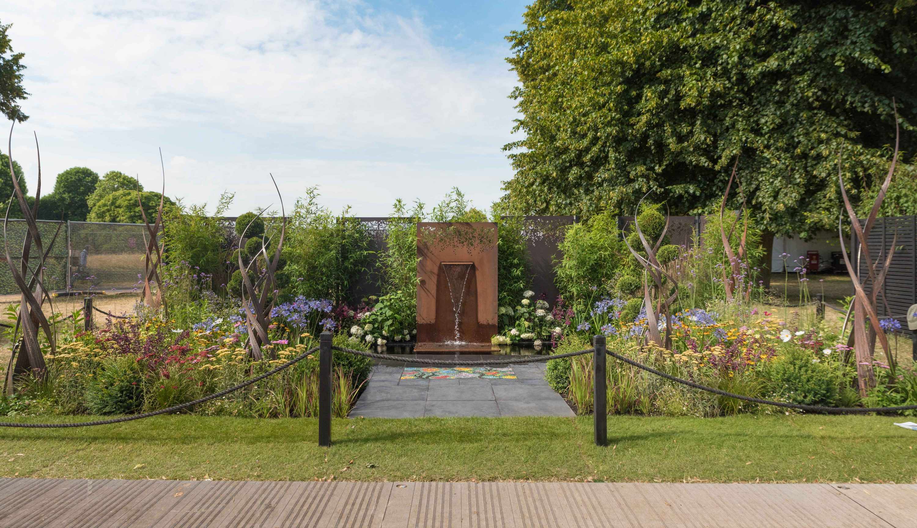 2018 July 4th Hampton Court Palace Flower Show Brilliance in Bloom-1